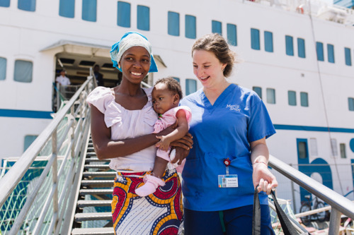 Mercy Ships volunteers performed 100'000th free surgical procedure