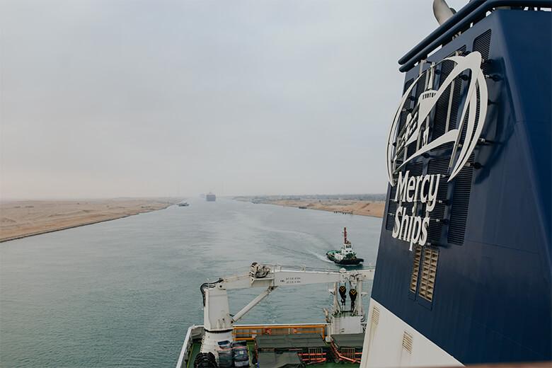 Le Global Mercy transite par le canal de Suez en direction de l'Europe.